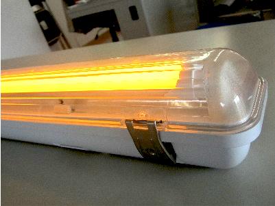 害虫黄ライト