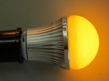 電球黄ライト