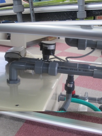 電動バルブと逆止弁